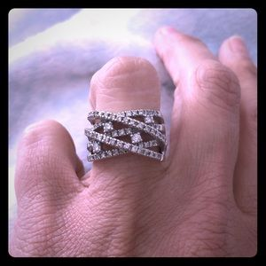 Jewelry - Diamond dinner ring